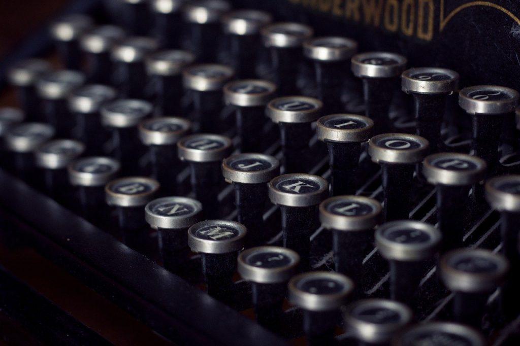 vintage, typewriter, old-1148940.jpg